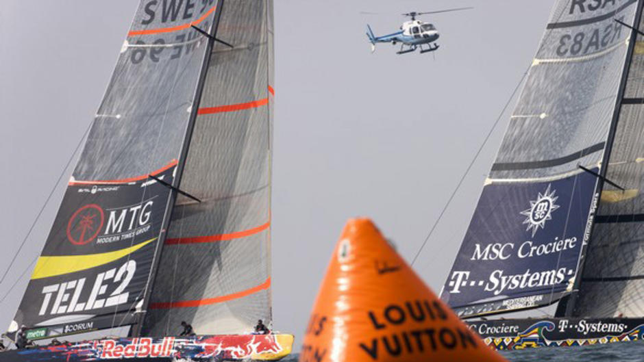 Victory Challenge beat Shosholoza in the first flight. Louis Vuitton Cup Round Robin1, day 5, Race 1. 32nd AmericaÇs Cup. Valencia, Spain. © Oskar Kihlborg/Victory Challenge